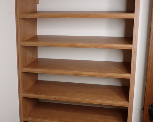 Shoe rack for boots and shoes in pippy oak